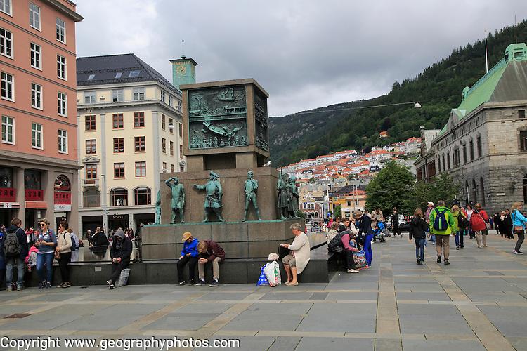 Sjomannsmonumentet, Seaman's Monument, by Dyre Vaa 1950, busy Torgallmenningen street,  Bergen, Norway