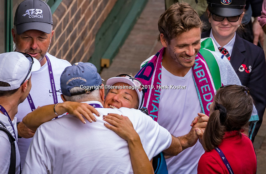 London, England, 8 July, 2019, Tennis,  Wimbledon, Mixed doubles: Kveta Peschke (CZE) and Wesley Koolhof (NED) are being congratulated<br /> Photo: Henk Koster/tennisimages.com