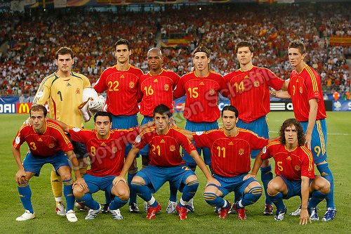 Jun 19, 2006; Stuttgart, GERMANY; The starting eleven for Spain prior to the match against Tunisia in 1st round Group H action of the 2006 FIFA World Cup at Gottlieb-Daimler-Stadion Stuttgart. Front row: Defender (3) Mariano Pernia, midfielder (8) Xavi, forward (21) David Villa, forward (11) Luis Garcia and defender (5) Carlos Puvol. Back row: goalkeeper (1) Iker Casillas, defender (22) Pablo, midfielder (16) Marcos Senna, defender (15) Sergio Ramos, midfielder (14) Xabi Alonso, and forward (9) Fernando Torres. Spain defeated Tunisia 3-1. Mandatory Credit: Ron Scheffler-US PRESSWIRE Copyright © Ron Scheffler