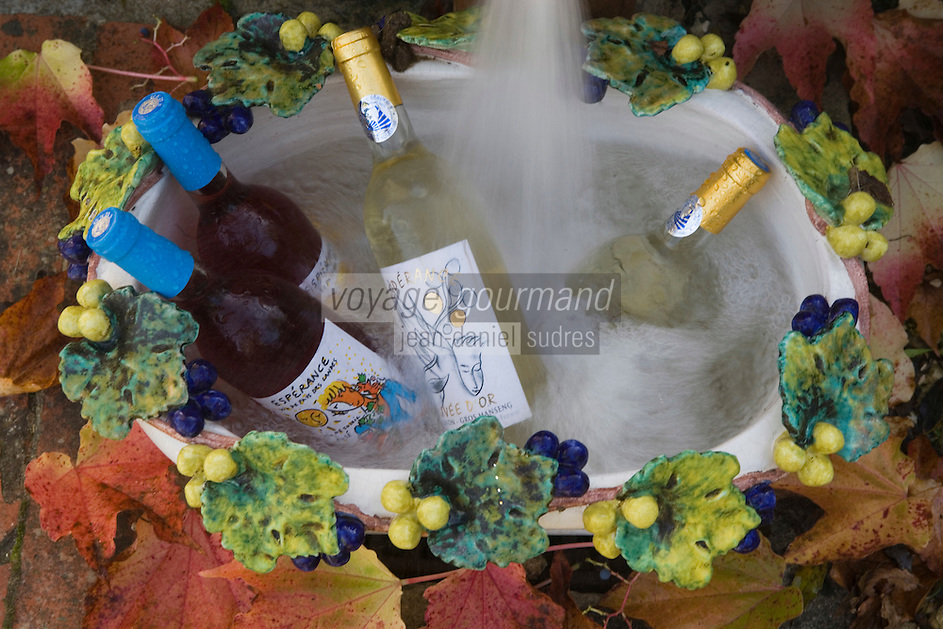 Europe/France/Aquitaine/40/Landes/Mauvezin-d'Armagnac: Domaine de l'Espérance Jean-Louis et Claire de Montesquiou  produisent un armagnac et aussi des vin de  de pays de Gascogne.