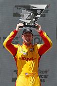 Ryan Hunter-Reay, Andretti Autosport Honda celebrates on the podium