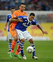 FUSSBALL   1. BUNDESLIGA   SAISON 2011/2012    11. SPIELTAG FC Schalke 04 - 1899 Hoffenheim                            29.10.2011 Jermaine JONES (re, Schalke) gegen Vedad IBISEVIC (li, Hoffenheim)
