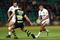 Jonathan Joseph of Bath Rugby in possession. Aviva Premiership match, between Northampton Saints and Bath Rugby on September 15, 2017 at Franklin's Gardens in Northampton, England. Photo by: Patrick Khachfe / Onside Images