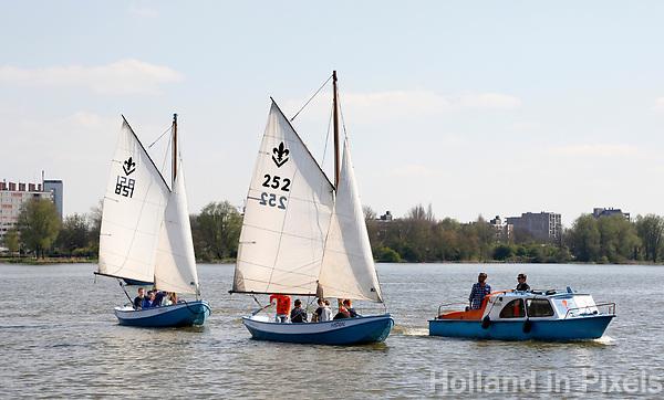 Nederland   Amstelveen   2017 04 08. Waterschouting Radboudgroep.  foto rlinda van Dam / Hollandse Hoogte
