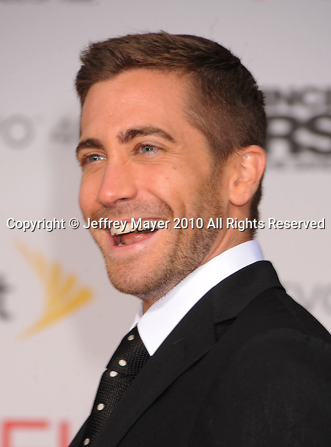 """HOLLYWOOD, CA. - May 17: Jake Gyllenhaal  arrives at the """"Prince of Persia: The Sands of Time"""" Los Angeles Premiere held at Grauman's Chinese Theatre on May 17, 2010 in Hollywood, California."""
