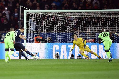 06.04.2016. Paris, France. UEFA CHampions League, quarter-final. Paris St Germain versus Manchester City.  ZLATAN IBRAHIMOVIC (psg) sees his penalty saved by keeper Joe Hart (mc)