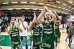S&ouml;dert&auml;lje 2014-04-22 Basket SM-Semifinal 7 S&ouml;dert&auml;lje Kings - Uppsala Basket :  <br /> S&ouml;dert&auml;lje Kings Martin Pahlmblad , S&ouml;dert&auml;lje Kings John Roberson och S&ouml;dert&auml;lje Kings Mike Joseph med lagkamrater jublar efter matchen<br /> (Foto: Kenta J&ouml;nsson) Nyckelord:  S&ouml;dert&auml;lje Kings SBBK Uppsala Basket SM Semifinal Semi T&auml;ljehallen jubel gl&auml;dje lycka glad happy