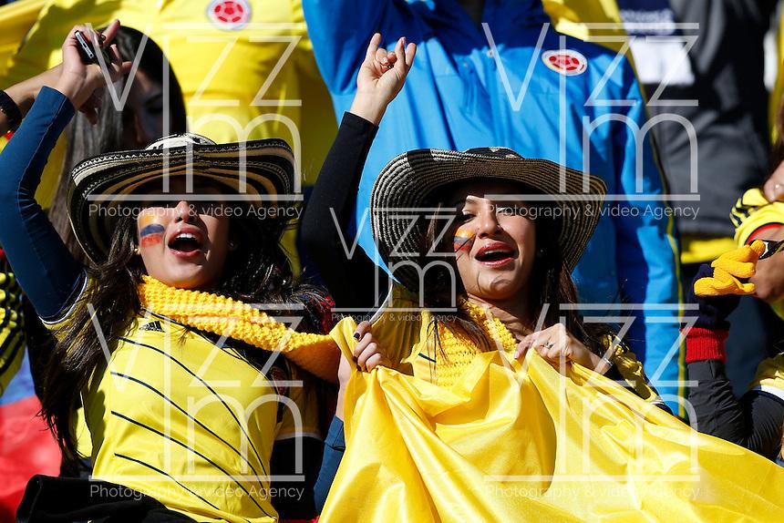 RANCAGUA- CHILE - 14-04-2015: Hinchas de Colombia, animan a su equipo durante partido Colombia y Venezuela, por la fase de grupos, Grupo C, de la Copa America Chile 2015, en el estadio El Teniente en la Ciudad de Rancagua./ Fans of Colombia, cheer for their team during a match between Colombia and Venezuela for the group phase, Group C, of the Copa America Chile 2015, in the El Teniente stadium in Rancagua city. Photos: VizzorImage /  Photosport / Marcelo Hernandez/ Cont.