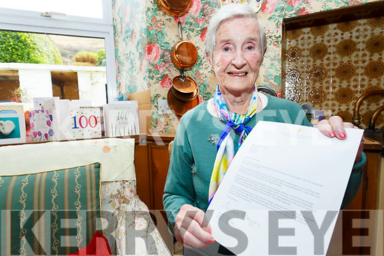 Noreen O'Connell from An Tig Gaeghealach(The Irish House) in Cahersiveen celebrated her 100th birthday on Saturday.