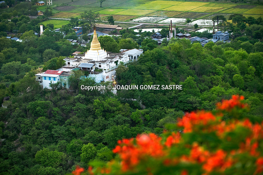 Vistas desde el monasterio Gupyauk Gyi en Bagan (myanmar).foto © JOAQUIN GOMEZ SASTRE
