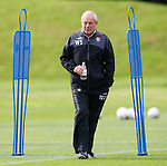 Walter Smith at training