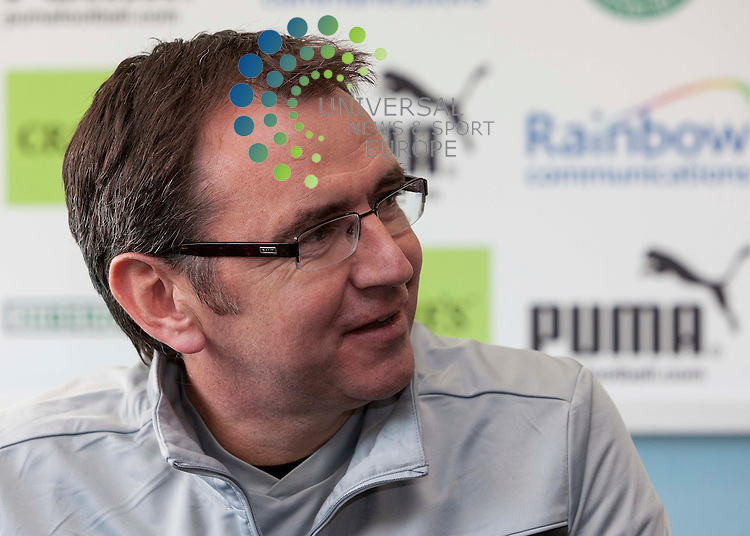 Hibernian Press call 4 April 2013..Pat Fenlon talks to the media before the clash with Celtic on Saturday 6th April 2013..Picture: Alan Rennie/Universal News & Sport.