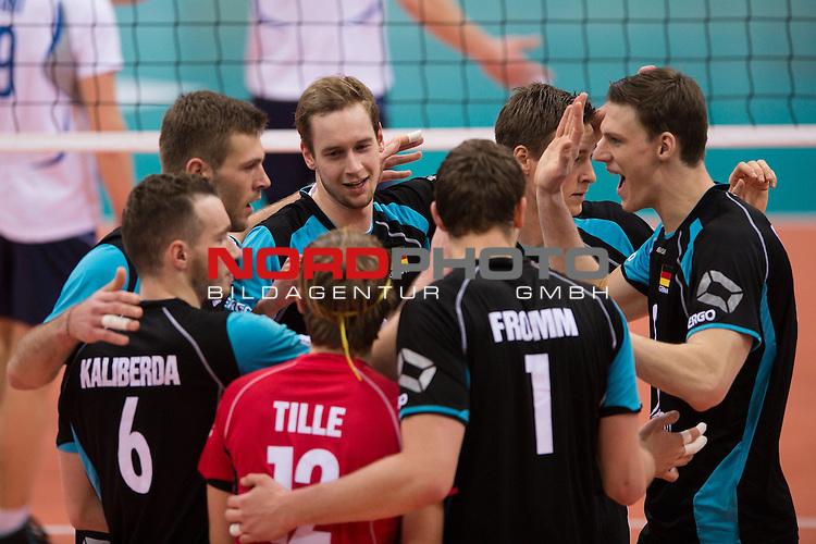 04.01.2014, MHP Arena, Ludwigsburg<br /> Volleyball, Qualifikation WM 2014, Deutschland vs. Estland<br /> <br /> Jubel Ferdinand Tille (#12 GER), Denis Kaliberda (#6 GER), Philipp Collin (#20 GER), Sebastian K&uuml;hner / Kuehner (#5 GER), Lukas Kampa (#11 GER), Marcus B&ouml;hme / Boehme (#8 GER), Christian Fromm (#1 GER) nach dem Sieg<br /> <br />   Foto &copy; nordphoto / Kurth