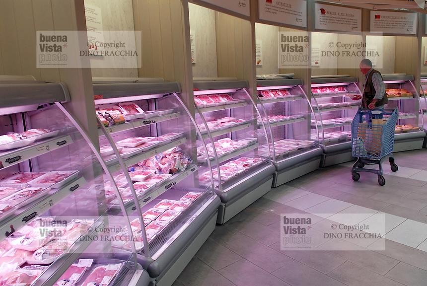 - Eataly, market for the sale of quality Italian food, meat counters<br /> <br /> - Eataly, market per la vendita del cibo italiano di qualit&agrave;, banchi della carne