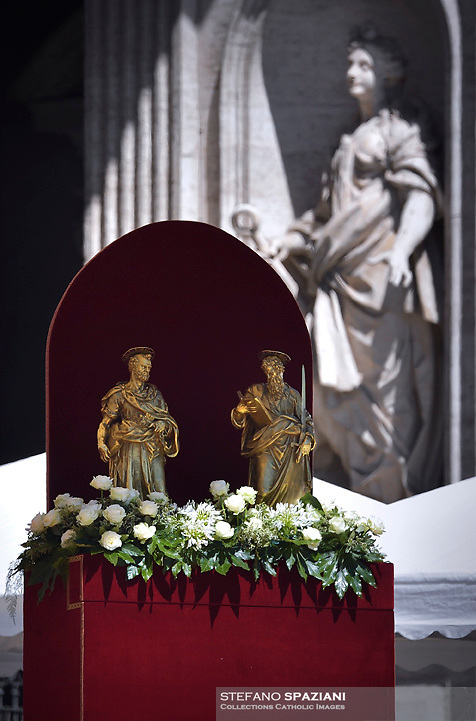 Statue Saint Peter and Saint Paul .Pope Francis during the solemn mass to celebrate the feast of Saint Peter and Saint Paul with the new Cardinals and the new Metropolitan Archbishops on June 29, 2018 in Saint Peter's square at the Vatican.