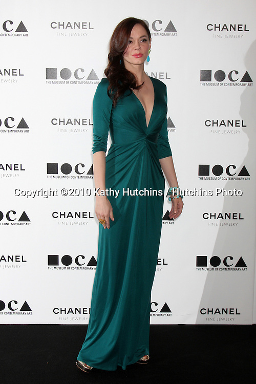 """LOS ANGELES - NOV 13:  Rose McGowan arrives at the MOCA's Annual Gala """"The Artist's Museum Happening"""" 2010 at Museum of Contemporary Art on November 13, 2010 in Los Angeles, CA"""