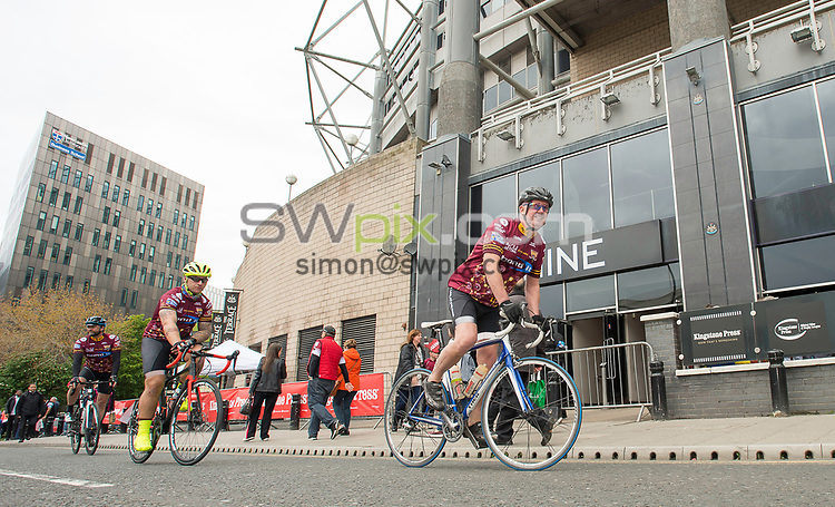 Picture by Allan McKenzie/SWpix.com - 20/05/2017 - Rugby League - Dacia Magic Weekend - St James' Park, Newcastle, England - The brief, Fat Lad at the back, FLAB, cycling.