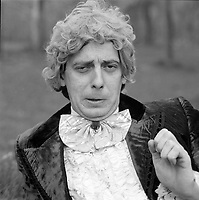 Portraits exterieur de l'Humoriste Daniel Lemire, vers 1983<br /> <br /> PHOTO :  Agence Quebec Presse