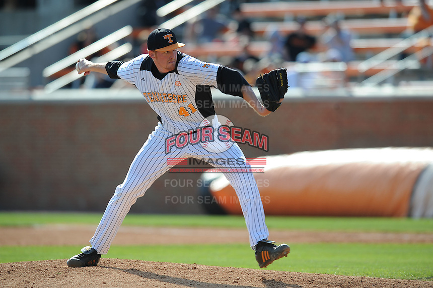 Nick Blount #41 of the Tennessee Volunteers at Lindsey Nelson Stadium in game against LSU Tigers in Knoxville, TN March 27, 2010 (Photo by Tony Farlow/Four Seam Images)