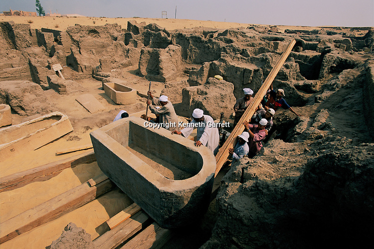 Excavating the black granite sarcophagus of Irethorwedja, Late Period