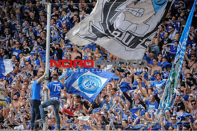 02.04.2016, Audi-Sportpark, Ingolstadt, GER, Bundesliga, 28. Spieltag, FC Ingolstadt 04 vs Schalke 04, im Bild<br /> <br /> Fie Schalke - Fans<br /> <br /> Foto &copy; nordphoto / Schreyer