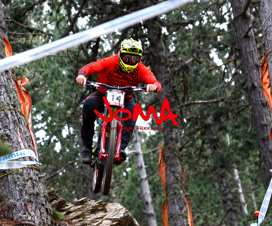 Dean lucas (AUS)Downhill training sesion, UCI, Moutain Bike World Cup , Vallnord Andorra. 12/07/2018