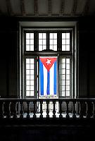 HAVANA-CUBA-09.10.2016 - Bandeira em homenagem ao aniversário de 90 anos do ditator cubando Fidel Castro em rua de Havana. (Foto: Bete Marques/Brazil Photo Press)