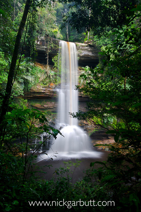 Takob-Akob Falls, edge of southern plateau, Maliau Basin. Sabah's 'Lost World', Borneo.