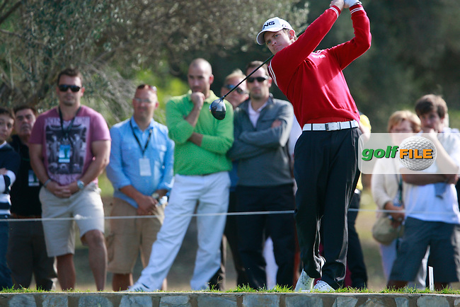 Tom Lewis (ENG) tees off the 3rd tee during Thursday's Round 1 of the Castello Masters at the Club de Campo del Mediterraneo, Castellon, Spain, 20th October 2011 (Photo Eoin Clarke/www.golffile.ie)