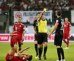 12.08.2018, Commerzbank - Arena, Frankfurt, GER, Supercup, Eintracht Frankfurt vs FC Bayern M&uuml;nchen , <br />DFL REGULATIONS PROHIBIT ANY USE OF PHOTOGRAPHS AS IMAGE SEQUENCES AND/OR QUASI-VIDEO.<br />im Bild<br />David Abraham (Frankfurt) foult Robert Lewandowski (M&uuml;nchen), Schlag ins Gesicht, David Abraham (Frankfurt) erh&auml;lt die gelbe  Karte<br /> <br /> Foto &copy; nordphoto / Bratic