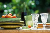 Europe/France/Rhône-Alpes/69/Rhône/Saint-Verand: Table à dresser de la maison d'hôte d'Aucherand
