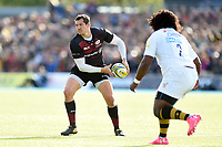 Alex Goode of Saracens looks to pass the ball. Aviva Premiership match, between Saracens and Wasps on October 8, 2017 at Allianz Park in London, England. Photo by: Patrick Khachfe / JMP