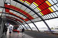 Nederland Amsterdam 2019. Het busstation achter Centraal Station. Streekvervoer. Foto Berlinda van Dam / Hollandse Hoogte