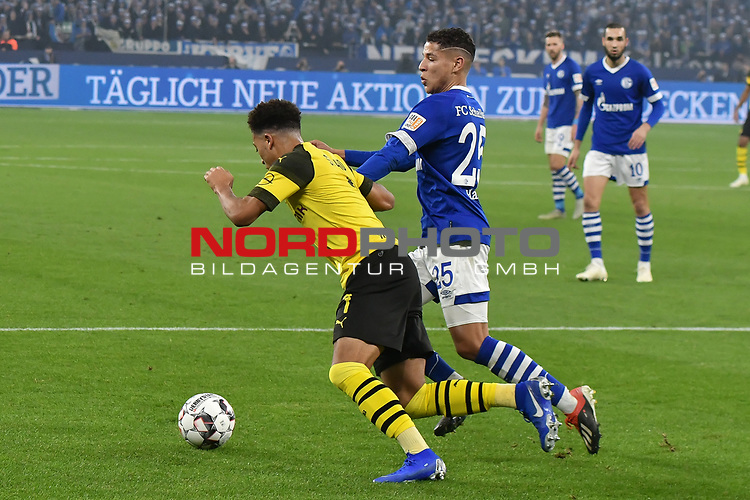 08.12.2018, Veltins-Arena, Gelsenkirchen, GER, 1. FBL, FC Schalke 04 vs. Borussia Dortmund, DFL regulations prohibit any use of photographs as image sequences and/or quasi-video<br /> <br /> im Bild v. li. im Zweikampf Jadon Sancho (#7, Borussia Dortmund) Amine Harit (#25, FC Schalke 04) <br /> <br /> Foto &copy; nordphoto/Mauelshagen