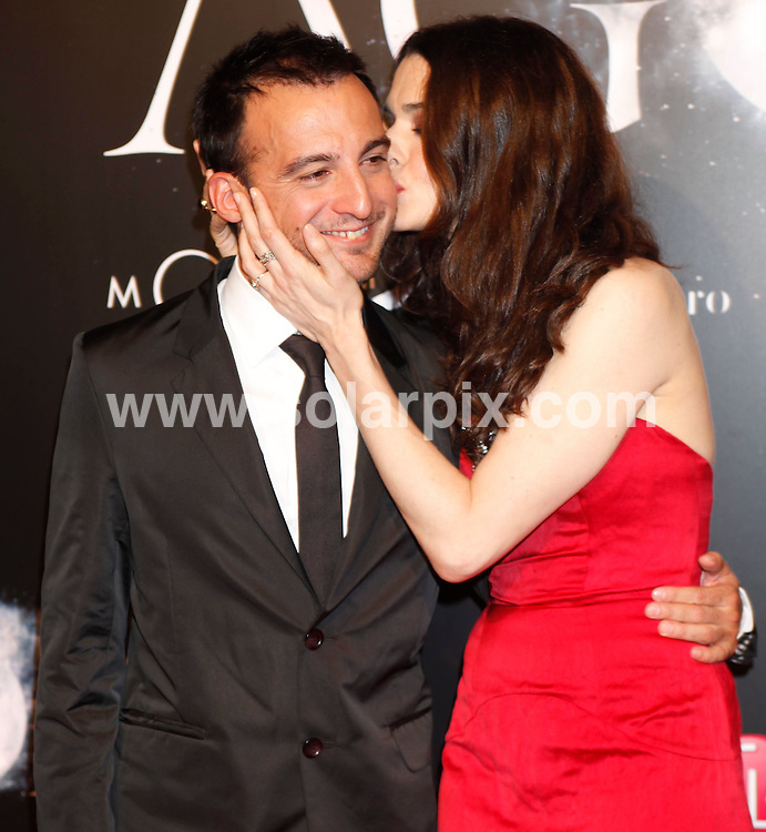 "**ALL-ROUND PICTURES FROM SOLARPIX.COM**.**WORLD SYNDICATION RIGHTS EXCEPT BELGIUM, GERMANY, HOLLAND, SCANDINAVIA, SOUTH AMERICA, SPAIN, & USA**.Arrivals at the spanish premiere for the film ""Agora"", with actors and the director, Madrid, Spain. 6 October 2009..This pic: Rachel Weisz and Alejandro Amenabar..JOB REF: 10076 SKX      DATE: 06_10_2009.**MUST CREDIT SOLARPIX.COM OR DOUBLE FEE WILL BE CHARGED**.**MUST NOTIFY SOLARPIX OF ONLINE USAGE**.**CALL US ON: +34 952 811 768 or LOW RATE FROM UK 0844 617 7637**"