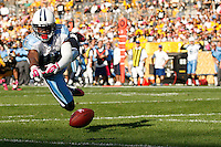PITTSBURGH, PA - OCTOBER 09:  Nate Washington #85 of the Tennessee Titans reaches for pass in the endzone against  the Pittsburgh Steelers during the game on October 9, 2011 at Heinz Field in Pittsburgh, Pennsylvania.  (Photo by Jared Wickerham/Getty Images)