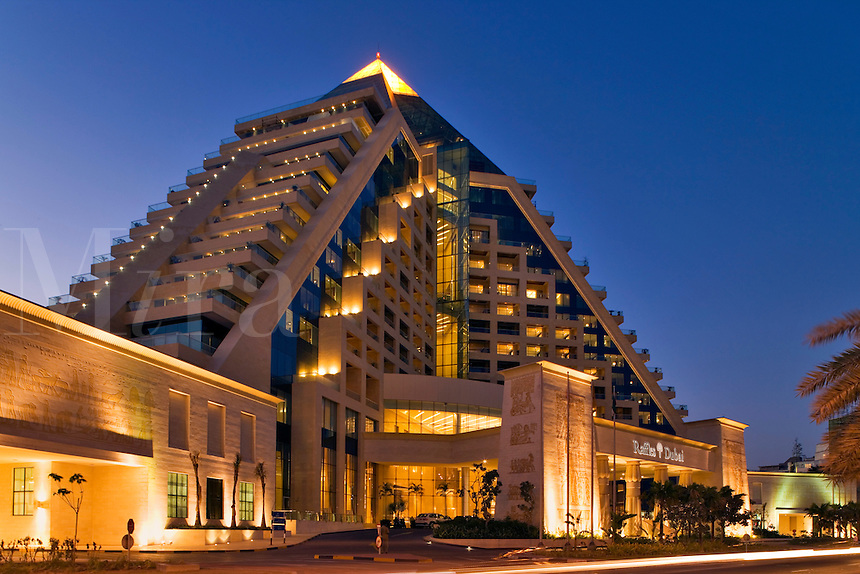 Dubai raffles hotel mira images for Places to stay in dubai
