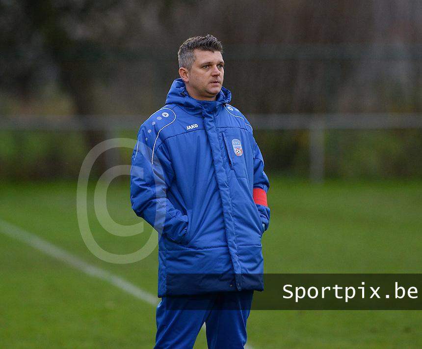 VVC Beernem  : coach Joeri Van Waeyenberghe<br /> Foto VDB / Bart Vandenbroucke