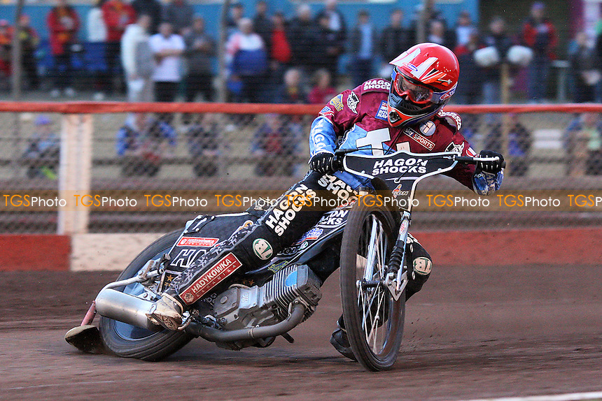 Heat 10: Lee Richardson of Lakeside - Lakeside Hammers vs Birmingham Brummies - Elite League Knockout Cup at Arena Essex Raceway - 10/06/11 - MANDATORY CREDIT: Gavin Ellis/TGSPHOTO - Self billing applies where appropriate - Tel: 0845 094 6026