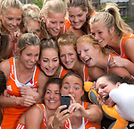 2014 Photoshoot Hofvijver dames Oranje
