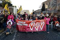 Roma, 12 Dicembre 2015<br /> Famiglie arcobaleno.<br /> Scateniamoci, la marcia dei diritti.<br /> A Roma in piazza per il diritto di amare liberamente, per la genitorialità e il contrasto della violenza di genere, contro omofobia e discriminazioni.