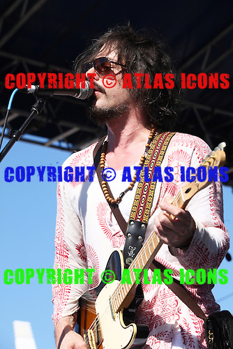 THE WINERY DOGS, LIVE, MONSTERS OF ROCK CRUISE, 2014, NEIL ZLOZOWER