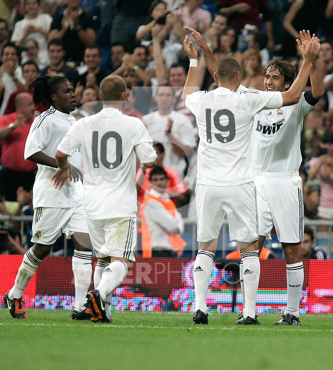 Real Madrid's Raul celebrates with Karim Benzema and Royston Drenthe during friendly match. July 26, 2009. (ALTERPHOTOS/Alvaro Hernandez).