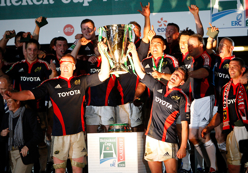 Photo: Richard Lane/Richard Lane Photography. .Munster v Toulouse. Heineken Cup Final. 24/05/2008. .Munster players celebrate victory with the Cup.