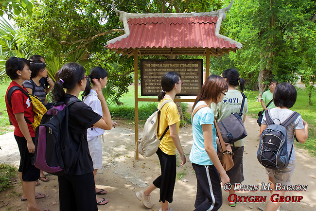 Singapore Students Tour Choeung Ek