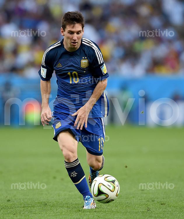 FUSSBALL WM 2014                FINALE Deutschland - Argentinien     13.07.2014 Lionel Messi (Argentinien) am Ball