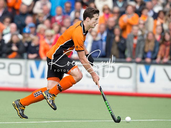 EINDHOVEN - HOCKEY -  Sander Baart van OZ tijdens de derde wedstrijd van halve finale van de play off in de mannen hoofdklasse hockeywedstrijd tussen Oranje Zwart en Kampong (4-0). OZ bereikt de finale. FOTO KOEN SUYK