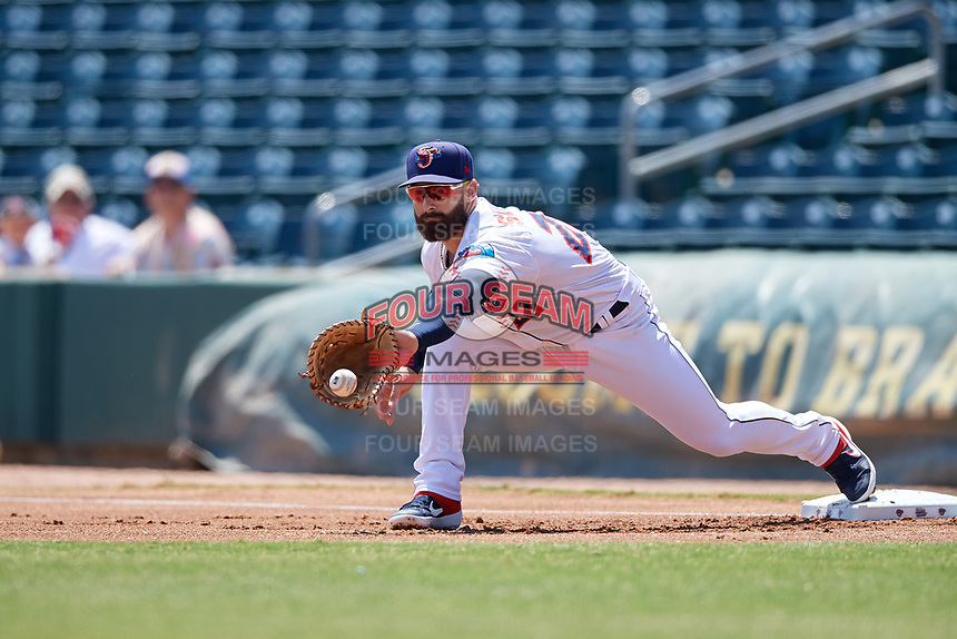 Jacksonville Jumbo Shrimp first baseman John Silviano (22) stretches for a throw during a Southern League game against the Tennessee Smokies on April 29, 2019 at Baseball Grounds of Jacksonville in Jacksonville, Florida.  Tennessee defeated Jacksonville 4-1.  (Mike Janes/Four Seam Images)