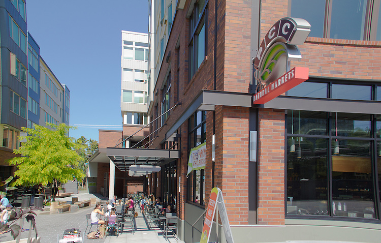 Seattle, Green Lake Village, new multi-use development, Puget Consumers Coop, PCC, anchors retail in project, developed by Lorig and Associates, residential architecture, Green Lake neighborhood,