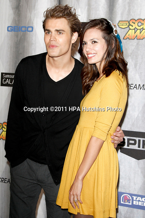 LOS ANGELES - OCT 15:  Paul Wesley, Torrey DeVitto at the Scream Awards 2011 at the Universal Studios on October 15, 2011 in Los Angeles, CA
